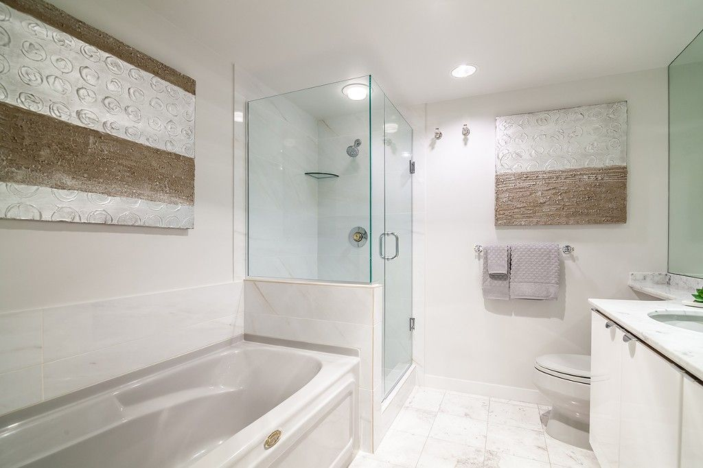 """Photo 21: Photos: 1901 837 W HASTINGS Street in Vancouver: Downtown VW Condo for sale in """"TERMINAL CITY CLUB"""" (Vancouver West)  : MLS®# R2134243"""