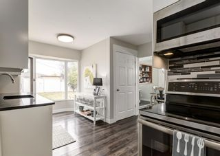 Photo 7: 4528 Forman Crescent SE in Calgary: Forest Heights Detached for sale : MLS®# A1152785