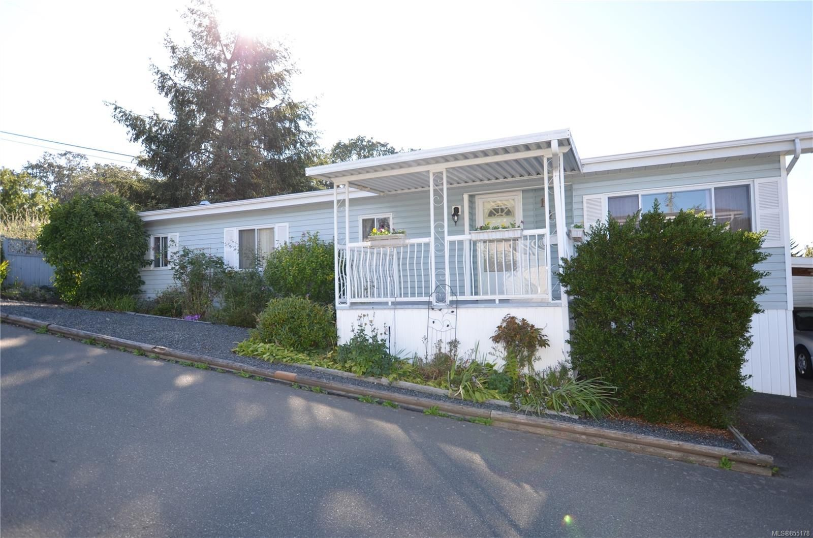 Main Photo: 141 7 Chief Robert Sam Lane in : VR Glentana Manufactured Home for sale (View Royal)  : MLS®# 855178