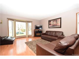 Photo 3: 114 Pinetree Crescent in Winnipeg: Riverbend Residential for sale (4E)  : MLS®# 1709745