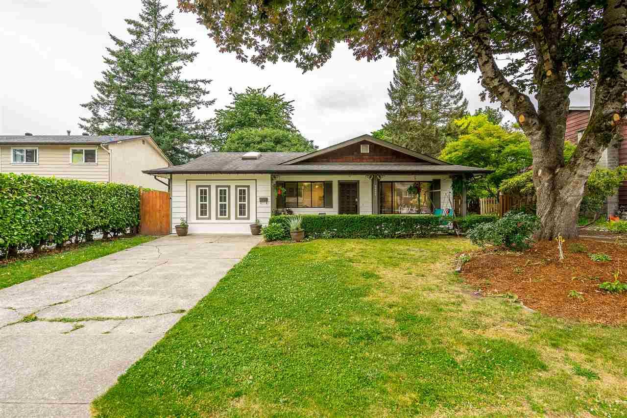 """Main Photo: 34565 MERLIN Drive in Abbotsford: Abbotsford East House for sale in """"McMillan"""" : MLS®# R2479004"""