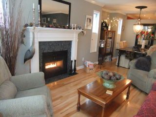 """Photo 3: 15 8716 WALNUT GROVE Drive in Langley: Walnut Grove Townhouse for sale in """"Willow Arbour"""" : MLS®# F1324550"""