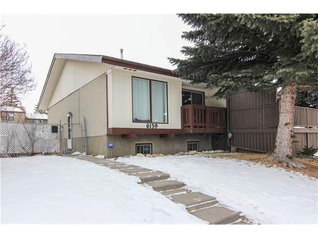 Main Photo: 6139 MADDOCK Drive NE in Calgary: Marlborough Park House for sale : MLS®# C4046134