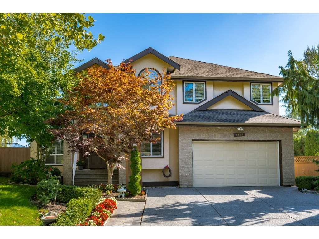 Main Photo: 7926 REDTAIL Place in Surrey: Bear Creek Green Timbers House for sale : MLS®# R2503156