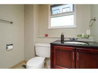 Photo 17: 15871 THRIFT Avenue: White Rock House for sale (South Surrey White Rock)  : MLS®# R2057585