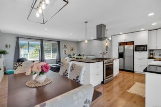 Photo 2: 1825 Cranberry Cir in : CR Willow Point House for sale (Campbell River)  : MLS®# 877608
