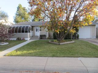 Main Photo: 27 Martin Close: Red Deer Detached for sale : MLS®# A1153901