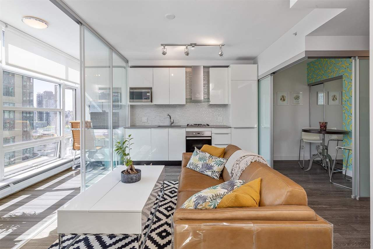"""Main Photo: 1505 1283 HOWE Street in Vancouver: Downtown VW Condo for sale in """"TATE"""" (Vancouver West)  : MLS®# R2592003"""