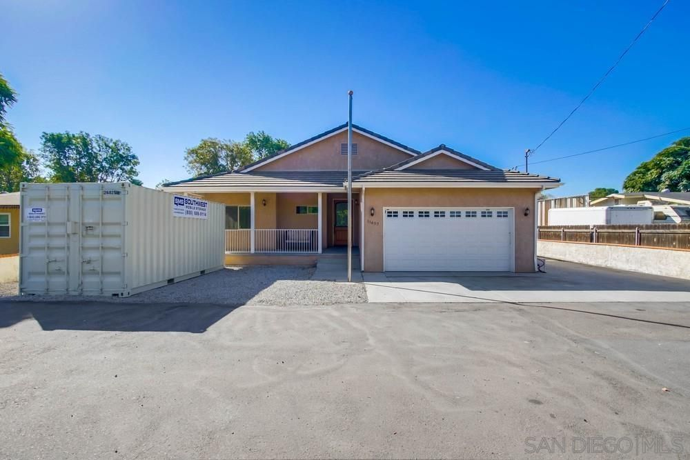 Main Photo: LAKESIDE House for sale : 3 bedrooms : 11657 Lakeside Ave
