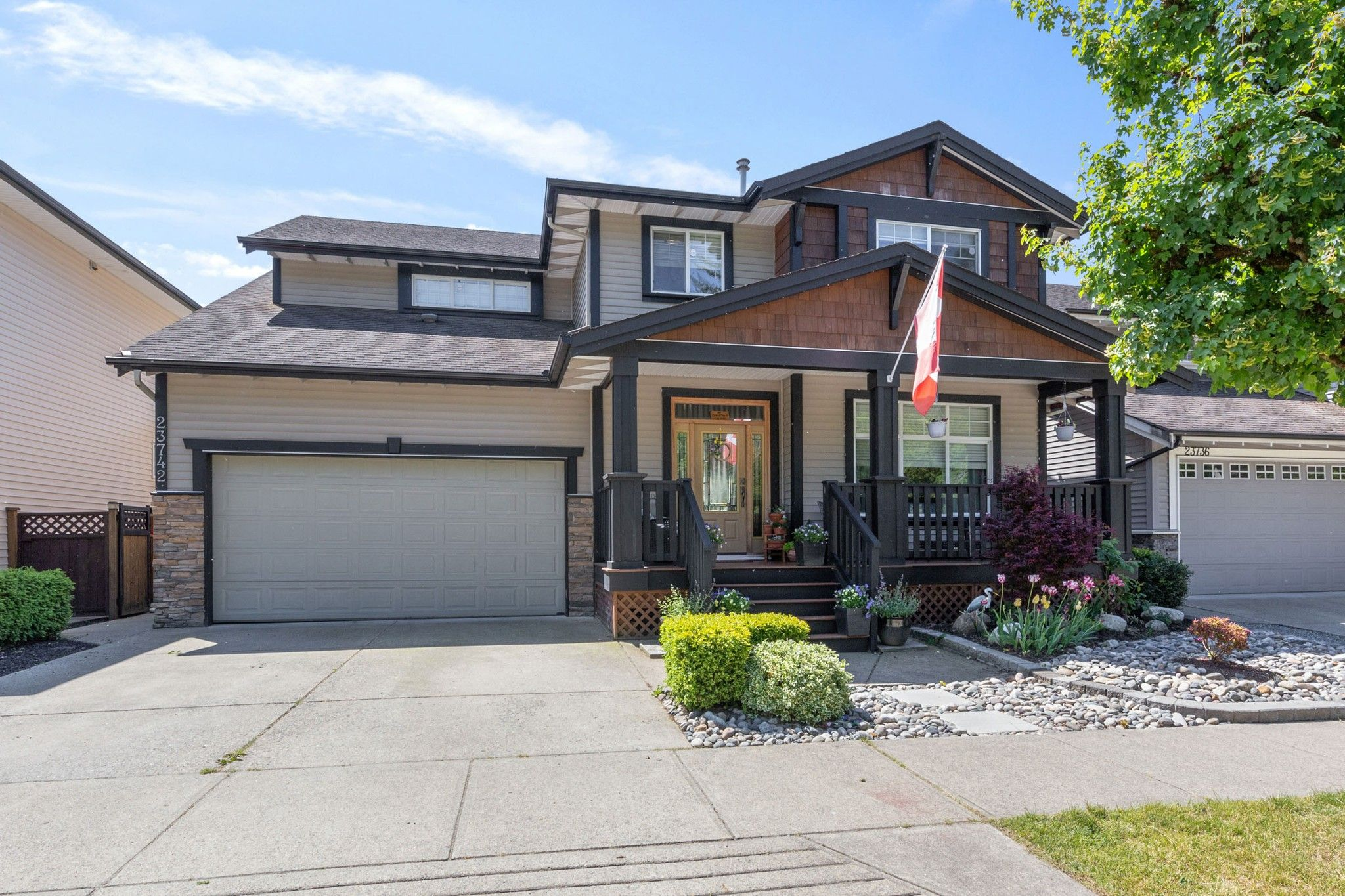 Main Photo: 23742 118 Avenue in Maple Ridge: Cottonwood MR House for sale : MLS®# R2585025