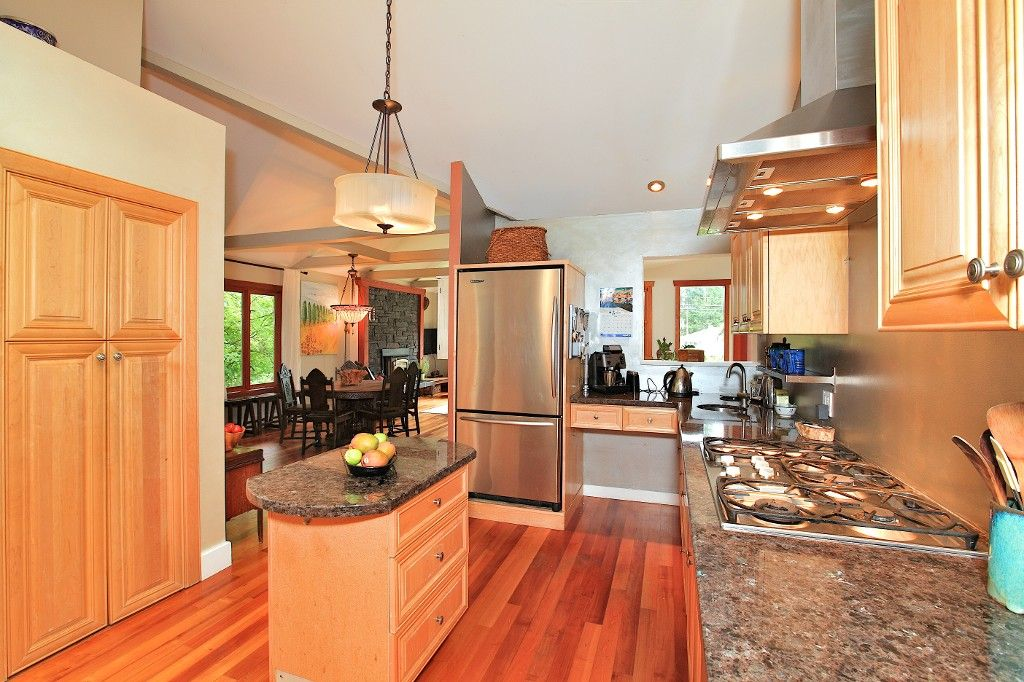 Photo 12: Photos: 2550 SECHELT Drive in North Vancouver: Blueridge NV House for sale : MLS®# V965349