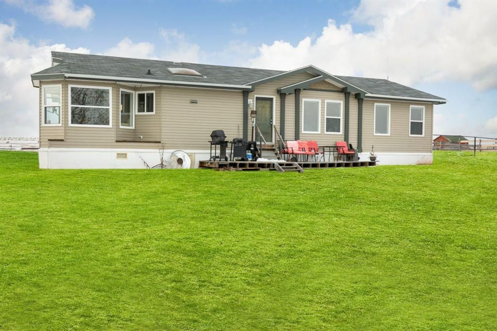 Main Photo: 282247 Range Road 12 in Rural Rocky View County: Rural Rocky View MD Detached for sale : MLS®# A1152141