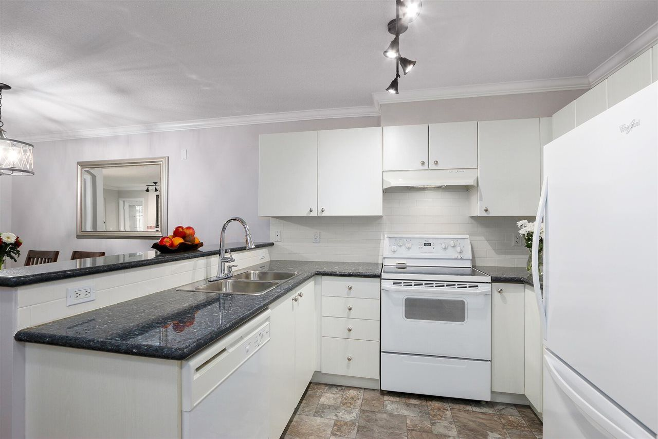"""Photo 10: Photos: 162 1100 E 29TH Street in North Vancouver: Lynn Valley Condo for sale in """"HIGHGATE"""" : MLS®# R2426893"""