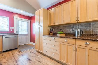 Photo 9: 3681 MONMOUTH AVENUE in Vancouver: Collingwood VE House for sale (Vancouver East)  : MLS®# R2500182