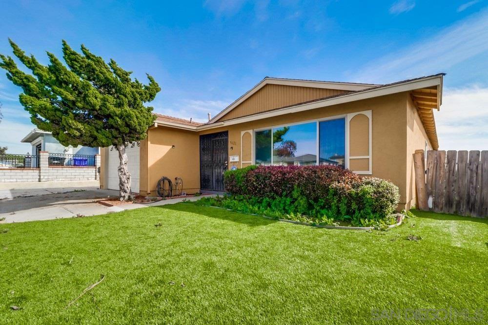 Main Photo: ENCANTO House for sale : 4 bedrooms : 5621 Zircon in San Diego