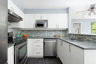 """Photo 3: 3155 W 4TH Avenue in Vancouver: Kitsilano Condo for sale in """"BRIDGEWATER"""" (Vancouver West)  : MLS®# R2608215"""