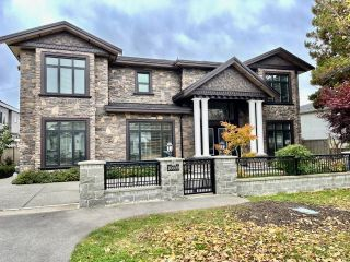Photo 1: 10600 DENNIS Crescent in Richmond: McNair House for sale : MLS®# R2624860