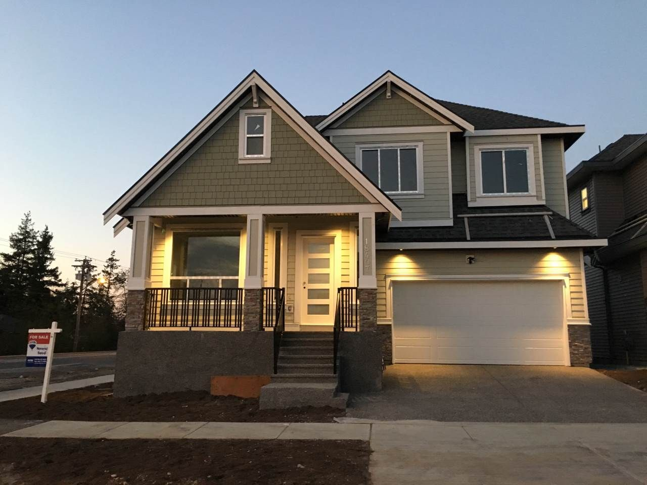 Main Photo: 18407 59A AVENUE in : Cloverdale BC House for sale : MLS®# R2217286