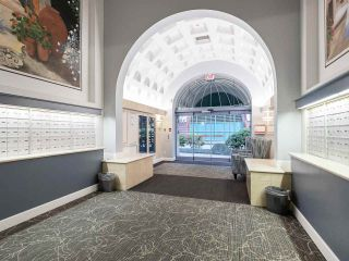 """Photo 2: 804 719 PRINCESS Street in New Westminster: Uptown NW Condo for sale in """"STIRLING PLACE"""" : MLS®# R2432360"""