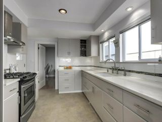"""Photo 12: 813 W 69TH Avenue in Vancouver: Marpole House for sale in """"MARPOLE"""" (Vancouver West)  : MLS®# R2560766"""