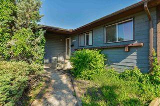 Photo 2: 10220 166 Avenue in Edmonton: Zone 27 House for sale : MLS®# E4252052