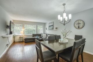"""Photo 2: 31 10238 155A Street in Surrey: Guildford Townhouse for sale in """"CHESTNUT LANE"""" (North Surrey)  : MLS®# R2473485"""