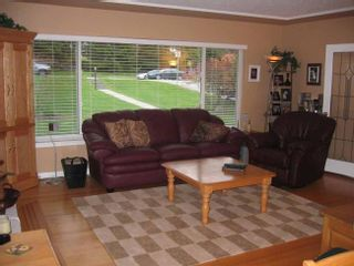 Photo 4: 537 East 19th Street in North Vancouver: Boulevard Home for sale ()