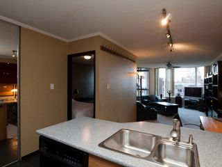Photo 3: 715 950 Drake Street in Vancouver: Downtown VW Condo for sale (Vancouver West)  : MLS®# V916192