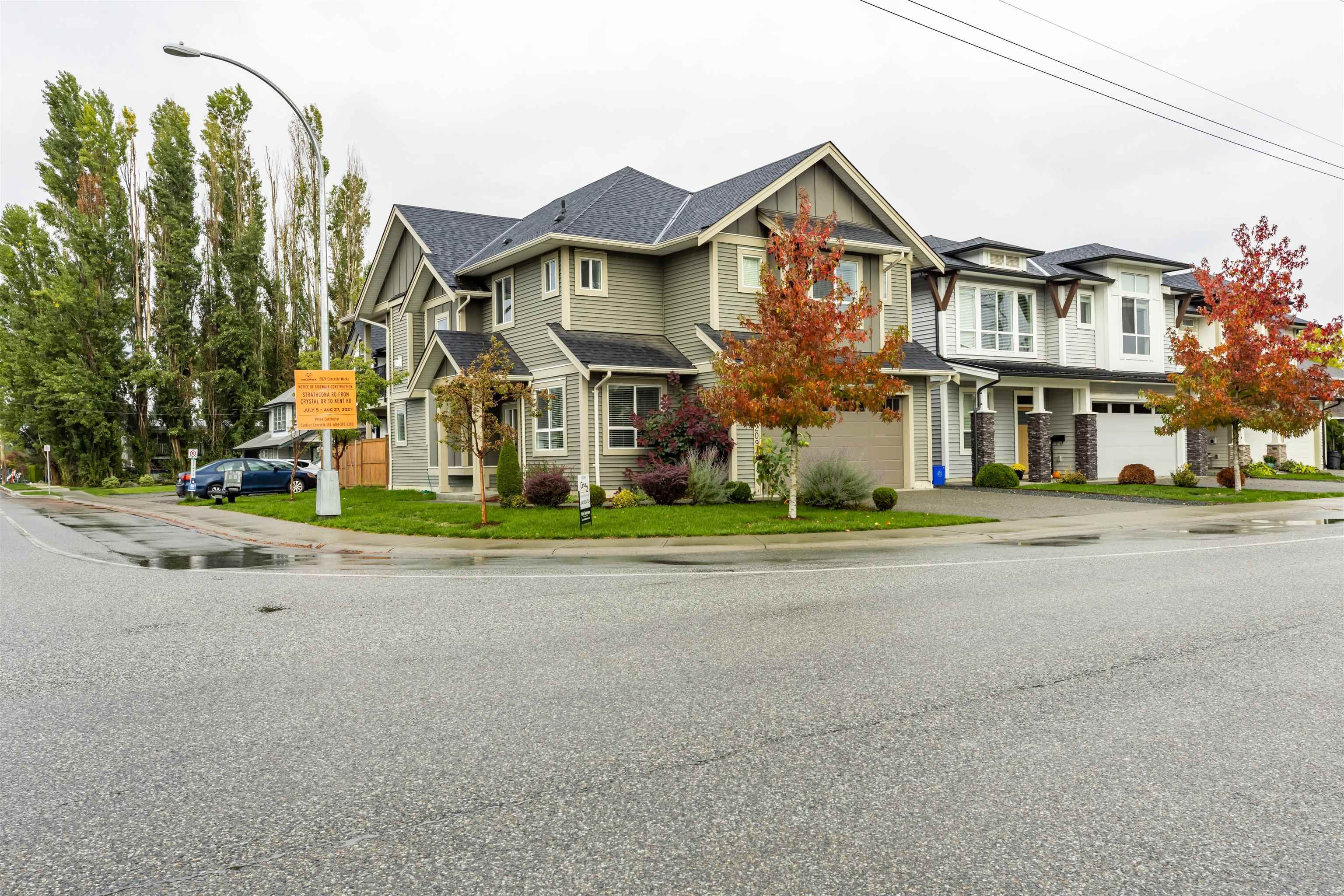 Main Photo: 10209 KENT Road in Chilliwack: Fairfield Island House for sale : MLS®# R2625714