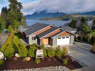 Photo 3: 6532 N GALE AVENUE in Sechelt: Sechelt District House for sale (Sunshine Coast)  : MLS®# R2554802