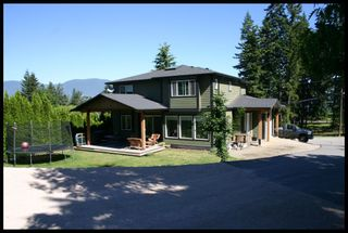 Photo 2: 2190 Southeast Auto Road in Salmon Arm: Hillcrest House for sale : MLS®# 10101264