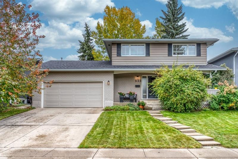 FEATURED LISTING: 535 Lake Newell Crescent Southeast Calgary