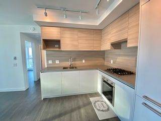 Photo 3: 2402 652 Whiting Way in Coquitlam: Condo for rent