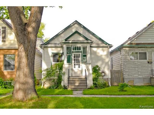 Main Photo: 595 Alverstone in Winnipeg: Single Family Detached  (West Winnipeg)  : MLS®# 1317454