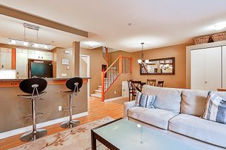 """Photo 5: 33 7488 SOUTHWYNDE Avenue in Burnaby: South Slope Townhouse for sale in """"LEDGESTONE 1"""" (Burnaby South)  : MLS®# R2176446"""