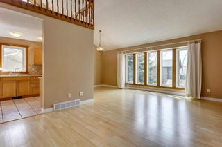Photo 3: 1260 RANCHVIEW Road NW in Calgary: Ranchlands Detached for sale : MLS®# C4239414