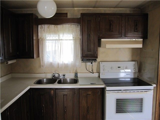 """Photo 2: Photos: 79 19642 PINYON Lane in Pitt Meadows: Central Meadows Manufactured Home for sale in """"MEADOW HIGHLANDS"""" : MLS®# V1069801"""
