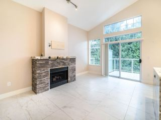 "Photo 4: 17 5221 OAKMOUNT Crescent in Burnaby: Oaklands Townhouse for sale in ""OAKLANDS"" (Burnaby South)  : MLS®# R2512646"