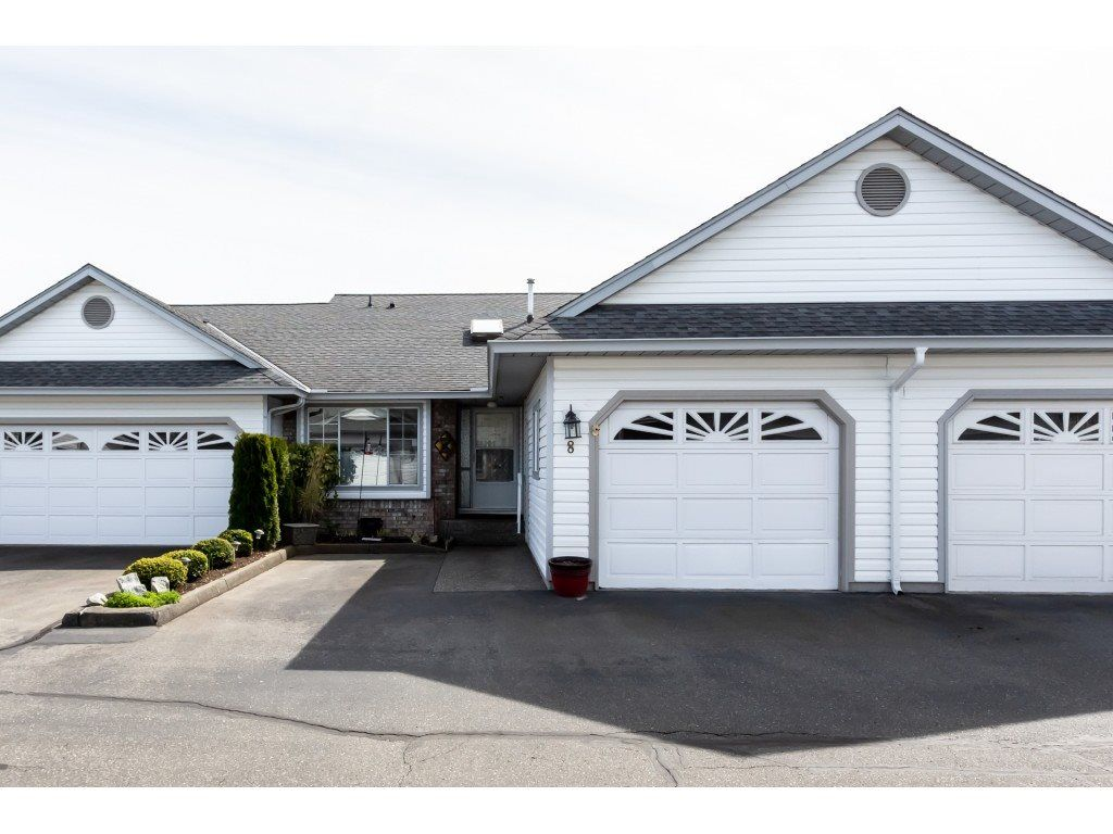 """Main Photo: 8 33922 KING Road in Abbotsford: Poplar Townhouse for sale in """"Kingsview Estates"""" : MLS®# R2358712"""