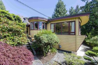Photo 16: 231 W BALMORAL Road in North Vancouver: Upper Lonsdale House for sale : MLS®# R2190109