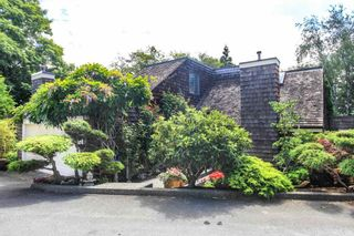 """Photo 1: 7942 LIMEWOOD Place in Vancouver: Champlain Heights Townhouse for sale in """"WOODLANDS"""" (Vancouver East)  : MLS®# R2291596"""