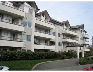 "Photo 1: 305 2526 LAKEVIEW Crescent in Abbotsford: Central Abbotsford Condo for sale in ""Millspring Manor"" : MLS®# F2810701"