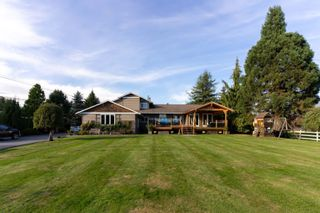 Photo 2: 18949 MCQUARRIE Road in Pitt Meadows: North Meadows PI House for sale : MLS®# R2620958