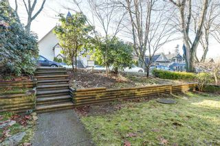 Photo 2: 1827 7TH AVENUE in Vancouver East: Home for sale : MLS®# R2133768