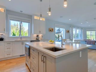 Photo 4: 3634 Coleman Pl in : Co Latoria House for sale (Colwood)  : MLS®# 885910