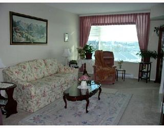 """Photo 2: 1004 12148 224TH Street in Maple_Ridge: East Central Condo for sale in """"THE PANORAMA"""" (Maple Ridge)  : MLS®# V691971"""