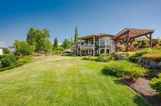 """Photo 3: 22439 96 Avenue in Langley: Fort Langley House for sale in """"FORT LANGLEY"""" : MLS®# R2620052"""
