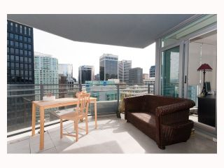 """Photo 3: 2804 - 1205 W. Hastings Street in Vancouver: Coal Harbour Condo for sale in """"CIELO"""" (Vancouver West)  : MLS®# V817933"""
