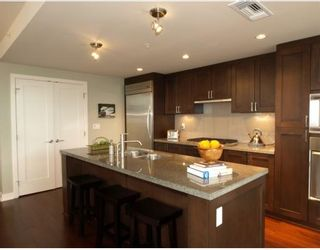 """Photo 3: 101 3595 W 18TH Avenue in Vancouver: Dunbar Townhouse for sale in """"DUKE ON DUNBAR"""" (Vancouver West)  : MLS®# V751304"""