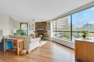 """Photo 3: 311 1450 PENNYFARTHING Drive in Vancouver: False Creek Condo for sale in """"Harbour Cove/False Creek"""" (Vancouver West)  : MLS®# R2618679"""